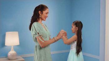 Target Dress Sale TV Spot, 'Anthem Dresses' Song by LONIS - Thumbnail 5