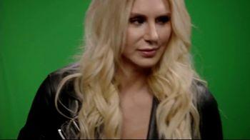 Snickers TV Spot, 'WWE Fan Favorite Commercials: Woo' Featuring Charlotte Flair, Gregory Mizanin - Thumbnail 5