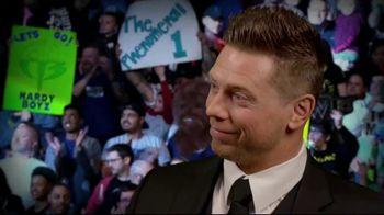 Snickers TV Spot, 'WWE Fan Favorite Commercials: Woo' Featuring Charlotte Flair, Gregory Mizanin - Thumbnail 8