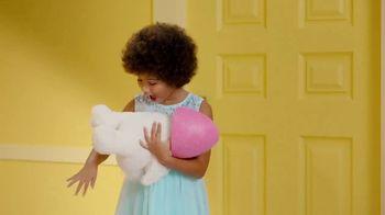 Target TV Spot, 'Pascua: celebrar' canción de LONIS [Spanish] - Thumbnail 7