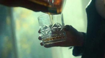 Tullamore Dew TV Spot, 'The Beauty of the Blend: Bottle Pass' - Thumbnail 8