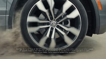 2020 Volkswagen Tiguan TV Spot, 'Road Conditions' [T2] - Thumbnail 2
