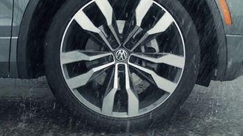 2020 Volkswagen Tiguan TV Spot, 'Road Conditions' [T2] - Thumbnail 3
