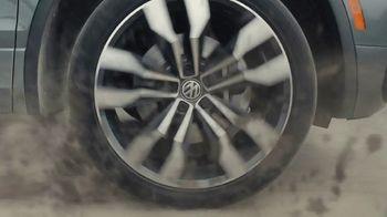 2020 Volkswagen Tiguan TV Spot, 'Road Conditions' [T2] - Thumbnail 4