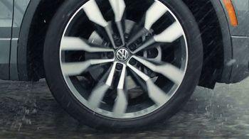 2020 Volkswagen Tiguan TV Spot, 'Road Conditions' [T2] - Thumbnail 5