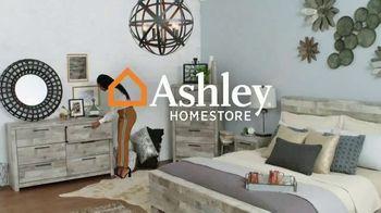 Ashley HomeStore TV Spot, 'Programa de alivio Ashley Cares: aprovecha' [Spanish] - Thumbnail 1