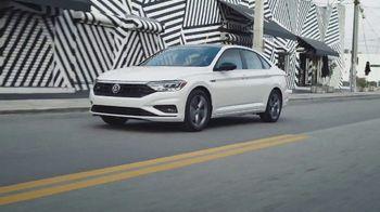 Volkswagen TV Spot, 'Community-Driven Promise: A New Day: Jetta' [T2] - Thumbnail 4