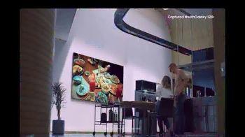 Samsung TV Spot, 'Fashion: Galaxy S20+ & QLED 8K' - Thumbnail 7