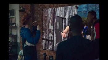 Samsung TV Spot, 'Fashion: Galaxy S20+ & QLED 8K' - Thumbnail 9