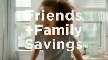 Kohl's Friends + Family Sale TV Spot, 'Keurig, Bedding and Activewear' - Thumbnail 2