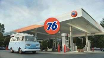76 Gas Station TV Spot, 'Jean and Gene's Awesome Adventure Road Trip: Stars' - Thumbnail 10