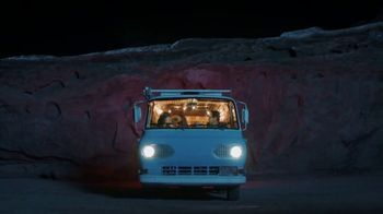 76 Gas Station TV Spot, 'Jean and Gene's Awesome Adventure Road Trip: Stars' - Thumbnail 9