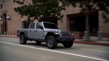 Jeep Gladiator TV Spot, \'Discovery Channel: Show Your Teeth\' [T1]