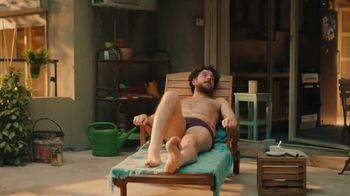 Amazon Echo TV Spot, 'Ambiente de verano' canción de Donna Summer [Spanish] - Thumbnail 8