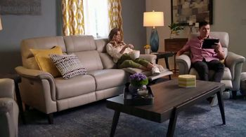Rooms to Go Labor Day Sale TV Spot, 'Shop Smart and Save' - Thumbnail 9