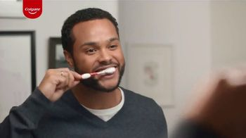 Colgate Optic White Renewal TV Spot, 'In Shape With Shake Weight' - Thumbnail 4