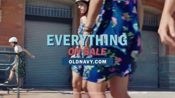 Old Navy TV Spot, 'Roll Into Spring!' Song by HOLYCHILD - Thumbnail 10