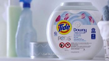 Tide PODS + Downy Free TV Spot, 'For Super Heroes With Sensitive Skin' - Thumbnail 5