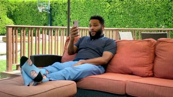 T-Mobile TV Spot, 'Quibi With Us' Featuring Anthony Anderson, Song by Etta James - Thumbnail 2