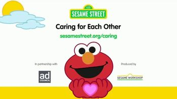 Sesame Workshop TV Spot, 'Caring for Each Other: Wash Your Hands Now' - Thumbnail 10