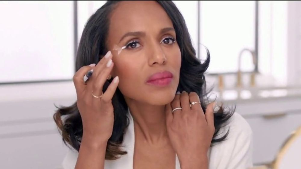 Neutrogena Makeup Remover Towelettes TV Commercial, 'Eyeliner Crossing the Line' Featuring Kerry Was