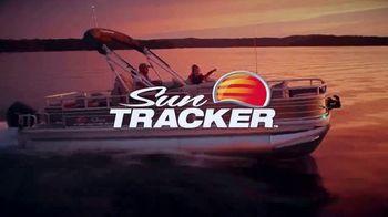 Sun Tracker TV Spot, 'Crank Up the Throttle' - Thumbnail 9