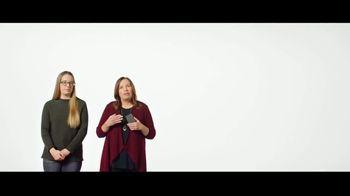 Verizon TV Spot, 'Students and Teachers: New York Times' - Thumbnail 6