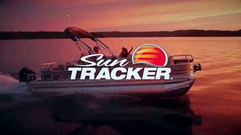 Sun Tracker Freedom of Choice Sales Event TV Spot, 'Crank Up the Throttle' - Thumbnail 7