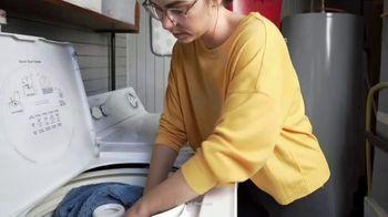 Clorox Fabric Sanitizer TV Spot, 'Workout Shirt' - Thumbnail 7