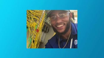 AT&T Wireless TV Spot, 'Mantenerte conectado' [Spanish] - Thumbnail 7