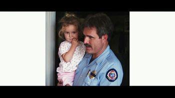 Verizon TV Spot, 'Helping Those Who Serve, Nurses, First Responders, Teachers, & Military' - Thumbnail 2