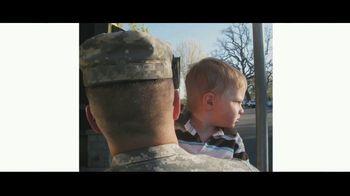 Verizon TV Spot, 'Helping Those Who Serve, Nurses, First Responders, Teachers, & Military' - Thumbnail 7