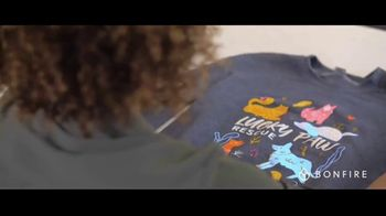 Bonfire TV Spot, 'Make a Difference With T-Shirt Fundraising' - Thumbnail 7