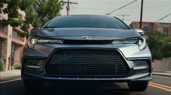 2020 Toyota Corolla TV Spot, 'The Pack' Song by Alex Britten, AX UX [T1] - Thumbnail 3