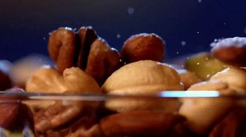 Planters Deluxe Mixed Nuts TV Spot, 'For the Cravers' - Thumbnail 6