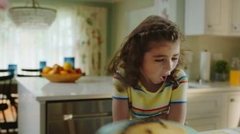Nature's Way Alive! Multivitamins TV Spot, 'Alive & Thriving: Smiles' - Thumbnail 2
