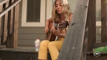 Sonic Drive-In Toasted S'mores Shake TV Spot, 'CMT: Being a Friend' Featuring Cassadee Pope, Lindsay Ell - Thumbnail 4