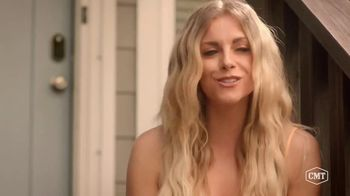 Sonic Drive-In Toasted S'mores Shake TV Spot, 'CMT: Being a Friend' Featuring Cassadee Pope, Lindsay Ell - Thumbnail 5
