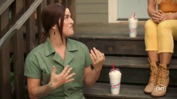 Sonic Drive-In Toasted S'mores Shake TV Spot, 'CMT: Being a Friend' Featuring Cassadee Pope, Lindsay Ell - Thumbnail 6