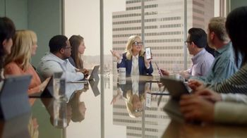 XFINITY Mobile TV Spot, 'Your Wireless, Your Rules: Save Up to $400' Featuring Amy Poehler - Thumbnail 2