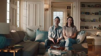 GEICO TV Spot, 'Aunt Infestation' - Thumbnail 1