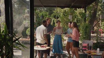 Corona Extra TV Spot, 'Backyard Beach' Song by Khruangbin - Thumbnail 10