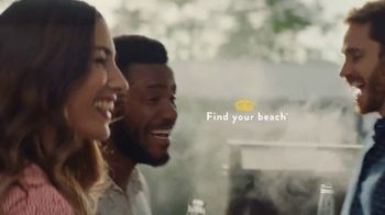 Corona Extra TV Spot, 'Backyard Beach' Song by Khruangbin - Thumbnail 8