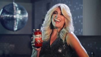 Prego TV Spot, 'Pour It on Thick: Disco' Featuring Cecily Strong - Thumbnail 5