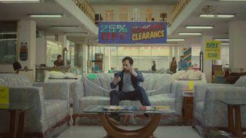 Miller Lite TV Spot, 'Tienda de muebles' [Spanish]