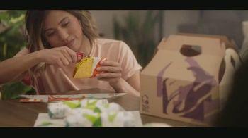 Taco Bell $10 Taco and Burrito Cravings Pack TV Spot, 'Silence' - Thumbnail 3