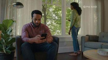 PNC Bank Virtual Wallet for Digital Banking TV Spot, 'Pizza Tracking' - Thumbnail 1