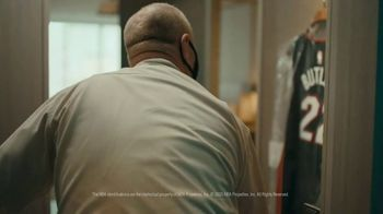 Michelob ULTRA TV Spot, 'ULTRA Delivery: Win a Fridge' Song by the Joy Tones - Thumbnail 2