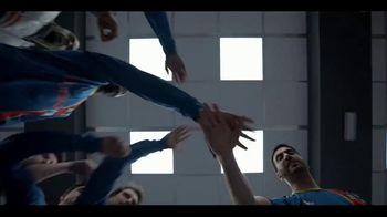 Apple TV+ TV Spot, 'Ted Lasso' canción de Spoon [Spanish] - Thumbnail 5
