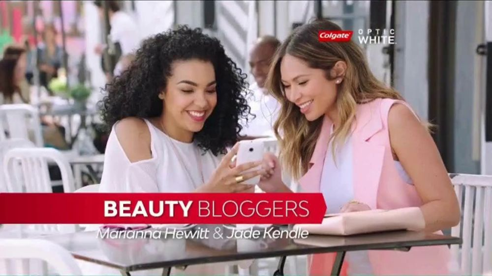 Colgate Optic White Platinum TV Commercial, 'Beauty Bloggers' Featuring Marianna Hewitt, Jade Kendle